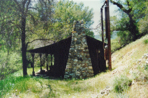 Cabin-at-Hazel-Dell-Mining-Camp-before-2002-fire
