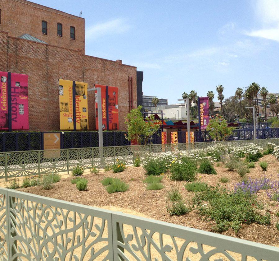 La-Plaza-beautiful-new-gardens